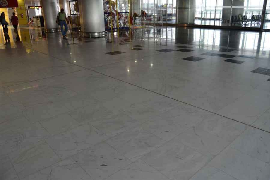 M rmol blanco pirgos pulido en el aeropuerto las palmas - Bolsa de trabajo las palmas ...