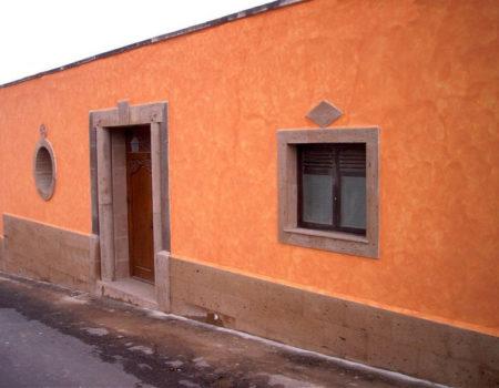 Reforma Fachada en Piedra Marrón